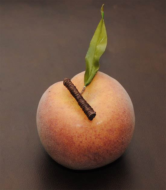 Peach with Steam & Leaf