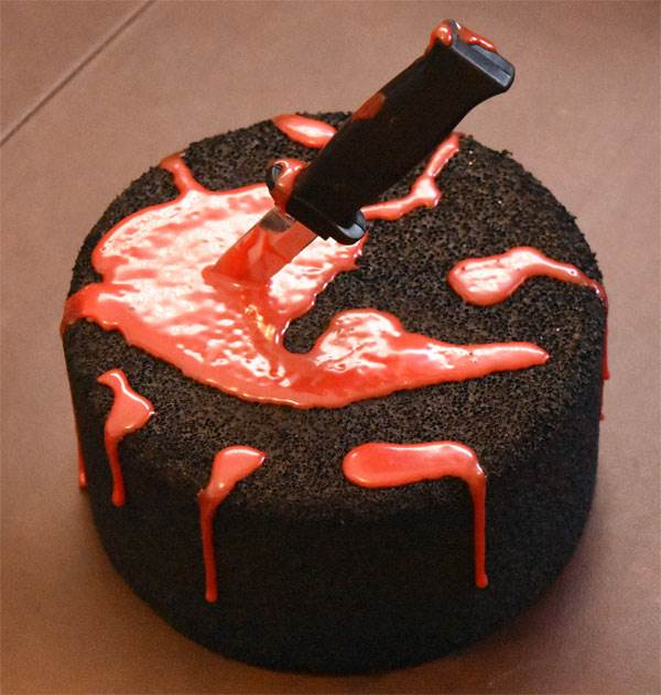 Bloody Knife Cake